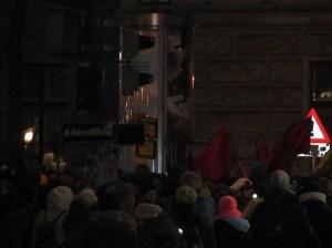 Zusammenrottung vor der Hauptuni, 24.01.2014, 17:12